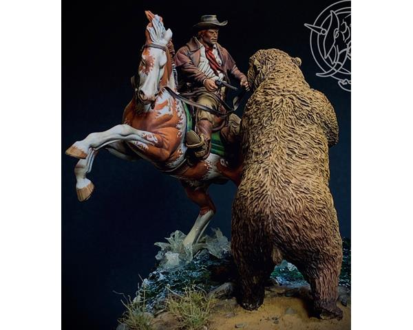 ROMEO MODELS: 54 mm. ; Grizzly Bear Attack  1880